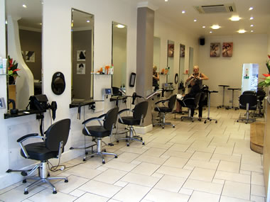 Un salon de belleza como Kim's: http://www.businessbrokers.com/upload